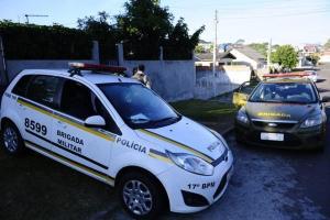 Tiroteio ocorreu em frente a uma casa na Rua Marte, no bairro Fátima, em Cachoeirinha Foto: Ronaldo Bernardi / Agência RBS / Agência RBS