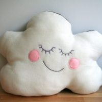 <!--:en-->Reversible cloud pillow<!--:--><!--:nl-->Omkeerbaar wolkenkussen<!--:-->