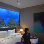 water-hotel-reviewing-samsung-smart-tv1