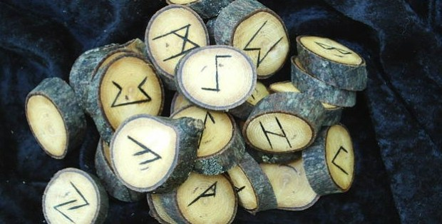 RUNE READING FOR MARCH