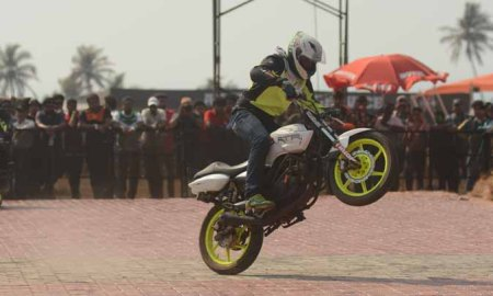 Bike stunt at India Bike Week