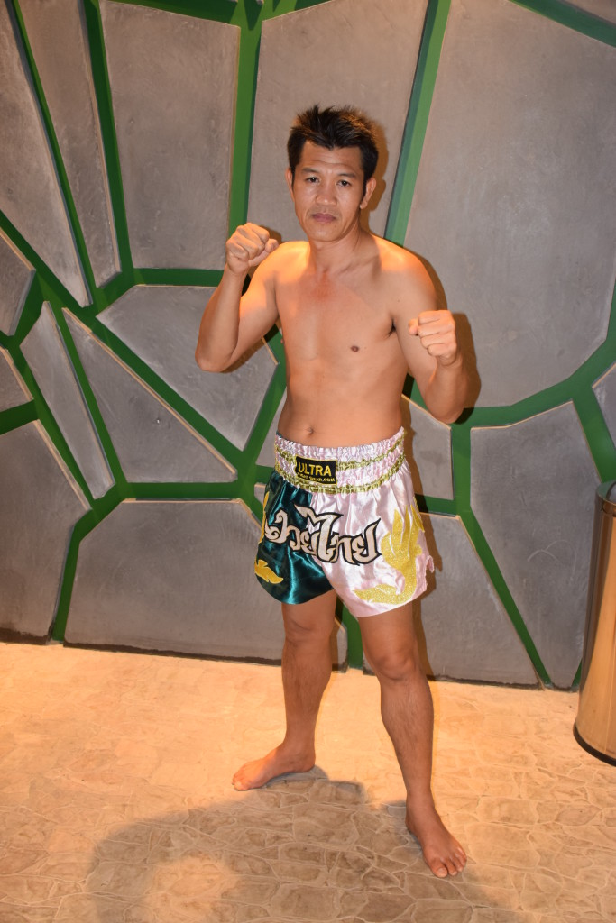 Name : Master Tim  nationality :Thailand pro. Muay Thai Fighter & Trainer   working: @Muay Thai Sports Club Abu Dhbai  https://www.facebook.com/Abu-Dhabi-Muay-Thai-Team-191882334179531/
