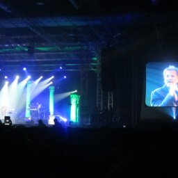 I know no one cares, but I watched Kenny Loggins Live in Manila tonight.