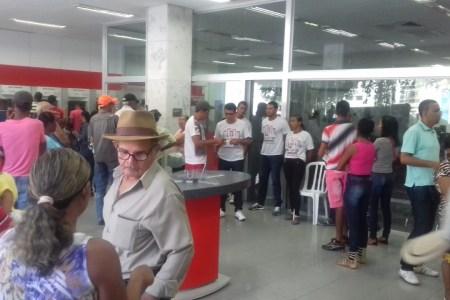 Continua greve dos bancários