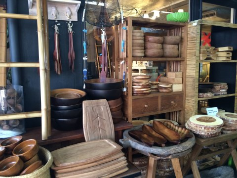 wooden bowls and boards chatuchak market bangkok