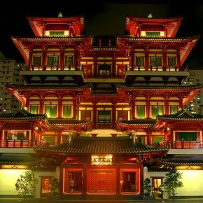 Insider's Guide to Singapore's Chinatown - Restaurants, Shopping, Temples and More...