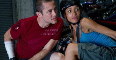 Wilee (Gordon-Levitt) and Vanessa (Dania Ramirez)
