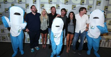 "COMIC-CON INTERNATIONAL: SAN DIEGO -- ""Sharknado 3 Panel"" -- Pictured: (L-R) Damien Holbrook, Tara Reid, Ian Ziering, Anthony C. Ferrante, Director, Cassie Scerbo and Thunder Levin, Writer, Sharknado -- (Photo by: Mark Davis/Syfy)"