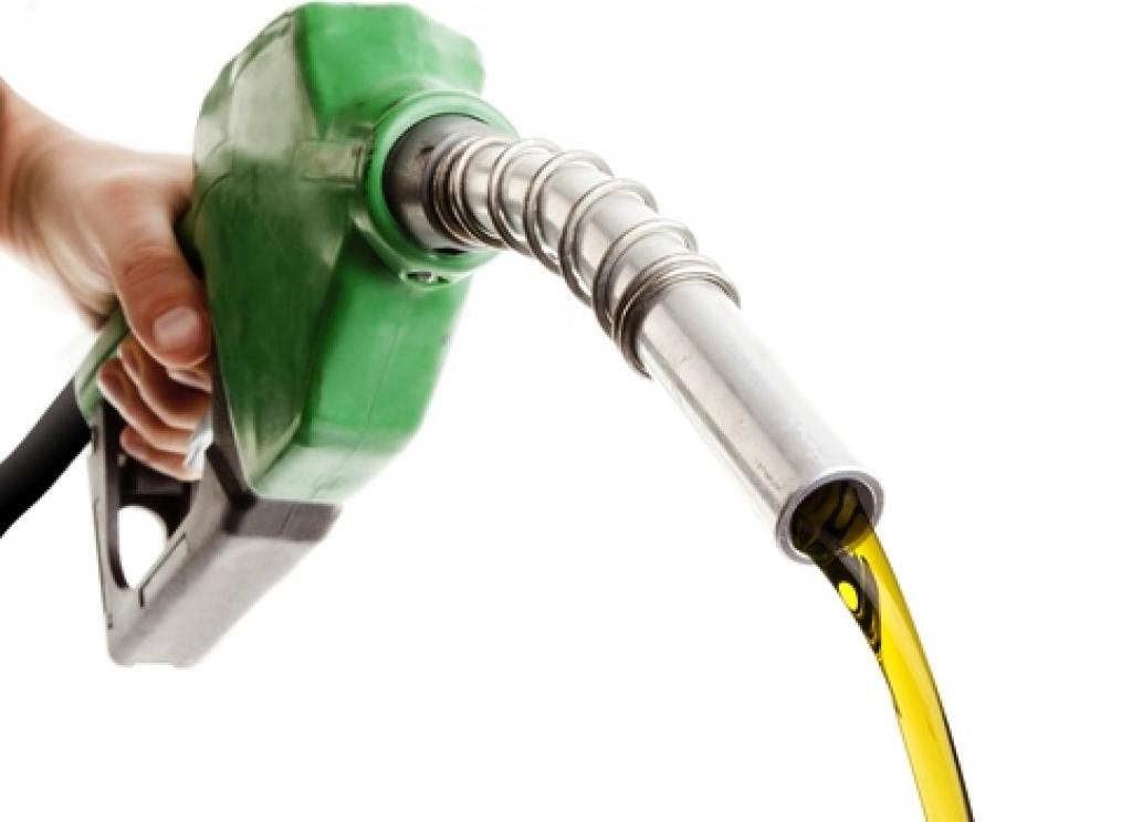 Photo of Petrobras anuncia queda nos preços da gasolina e do diesel