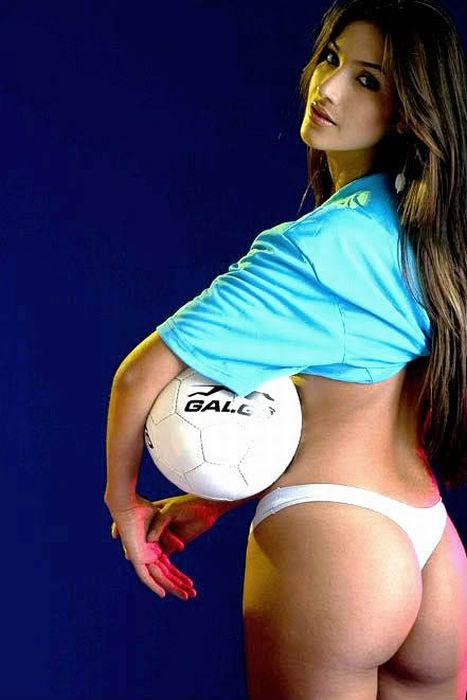 cheerleaders south of the border 66 big booties cool stuff  Keister Thursday: 35 Bodacious Bubble Butts (pics)