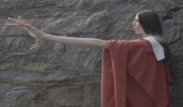 Delorean - Unhold (ft. Caroline Polachek of Chairlift)