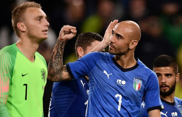 Italy's national team forward Simone Zaza (C) celebrates after scoring a goal during the international friendly football match between Italy and the Netherlands at the Allianz Stadium in Turin on June 4, 2018. / AFP PHOTO / MARCO BERTORELLO