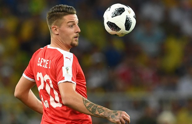 Serbia's midfielder Sergej Milinkovic-Savic eyes the ball during the Russia 2018 World Cup Group E football match between Serbia and Brazil at the Spartak Stadium in Moscow on June 27, 2018. / AFP PHOTO / Francisco LEONG / RESTRICTED TO EDITORIAL USE - NO MOBILE PUSH ALERTS/DOWNLOADS