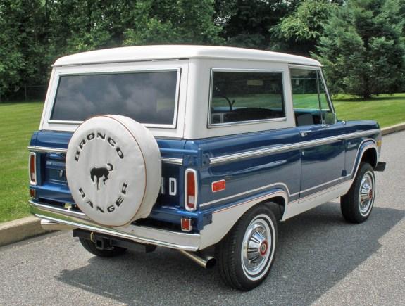 1976_Ford_Bronco_Ranger_36