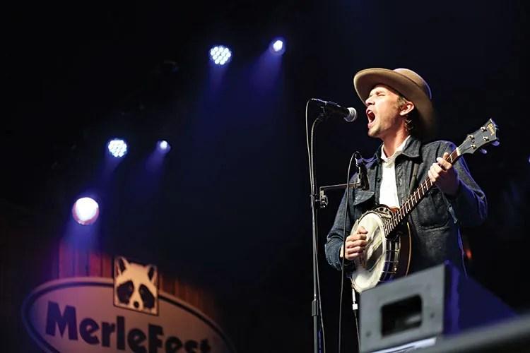 Willie Watson performs at MerleFest 2015 (photo by Sara Brennan-Harrell)