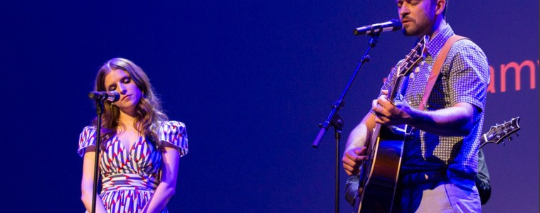 justin timberlake anna kendrick guitar trolls true colors cyndi lauper