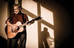 Gorka-guitar-in-sun-credit-Joe-del-Tufo-Moonloop-Photography-10x6