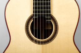 Eastman-Classical-Guitar-Review-CL81S-nylon-guitar-soundhole-rosette