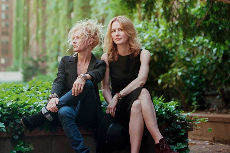 http://acousticguitar.com/shelby-lynne-and-sister-allison-moorer-on-their-first-studio-album-together-not-dark-yet/