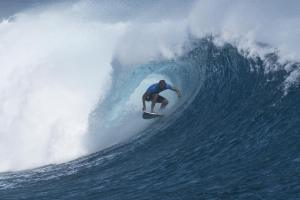 Owen Wright Scores Perfect Final to Win Fiji Pro