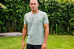 Kelly Slater Talks About Pollution – It's Not Ok