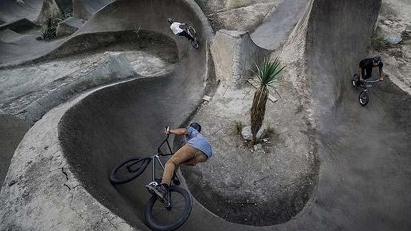 Backyard Bmx Jumps the land of perfect bmx dirt jumps | bmx paradise: ep 3 : action