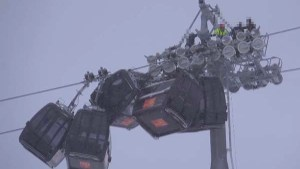 Austrian Ski Resort Gondola's Get Tangled in High Winds