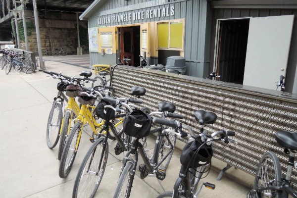 golden triangle bike rentals along the three rivers heritage trail in pittsburgh pennsylvania