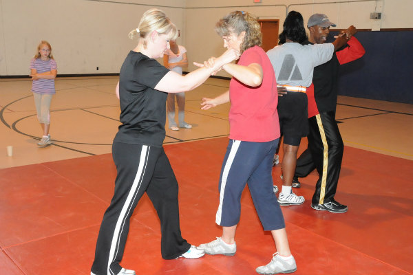 martial arts instructors in pittsburgh pennsylania teach women's self defense classes