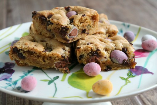 sliced mini egg cookie bars