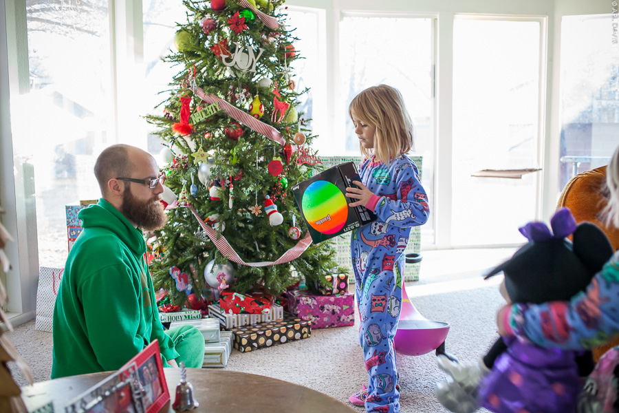 CHRISTMAS TRADITIONS AT THE DAVIS HOUSEHOLD