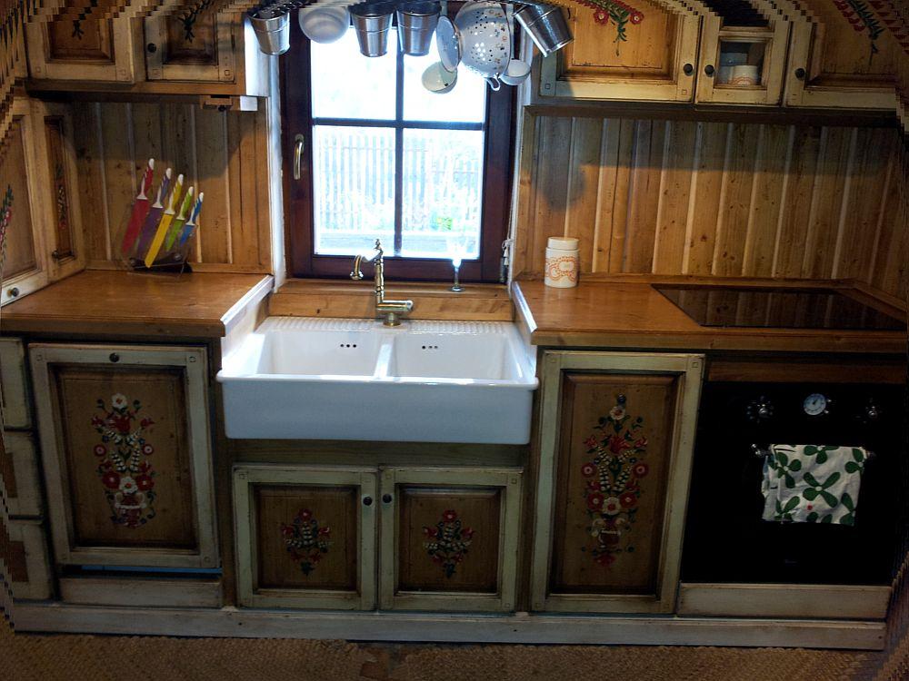 adelaparvu.com despre casa traditionala reconditionata Brasov (11)
