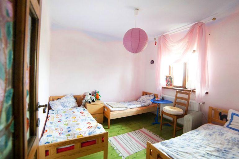 adelaparvu.com despre casa din chirpici la Ciolpani, Poiana Florilor, designer Elena Vasiliu arh. Raluca Suru, Foto Dragos Boldea (75)