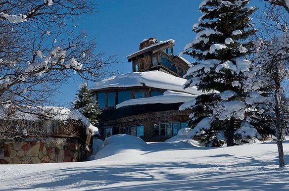 adelaparvu.com despre casa circulara in Aspen, casa SUA, foto NYT, Michael Brands (6)