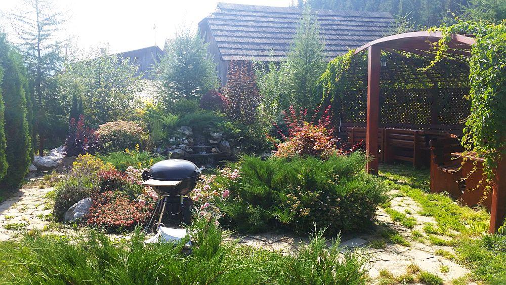adelaparvu.com despre gradina in Bucovina, design Garden Green Campulung Moldovenesc, Foto Adela Parvu (14)