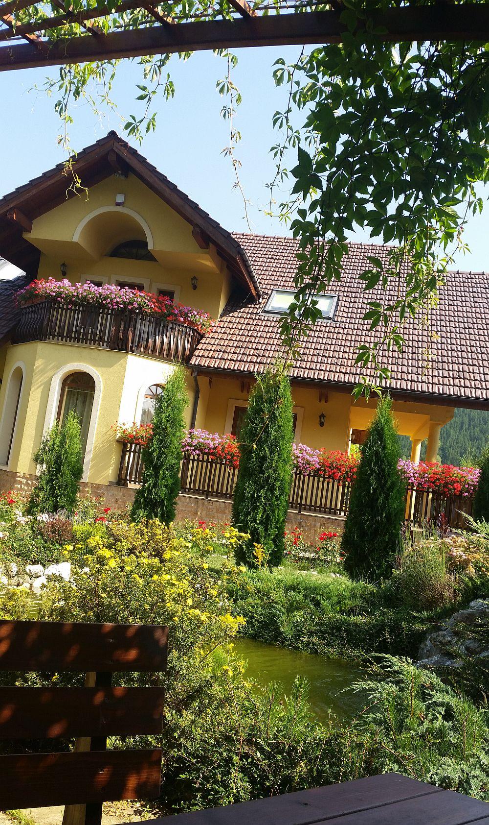 adelaparvu.com despre gradina in Bucovina, design Garden Green Campulung Moldovenesc, Foto Adela Parvu (39)
