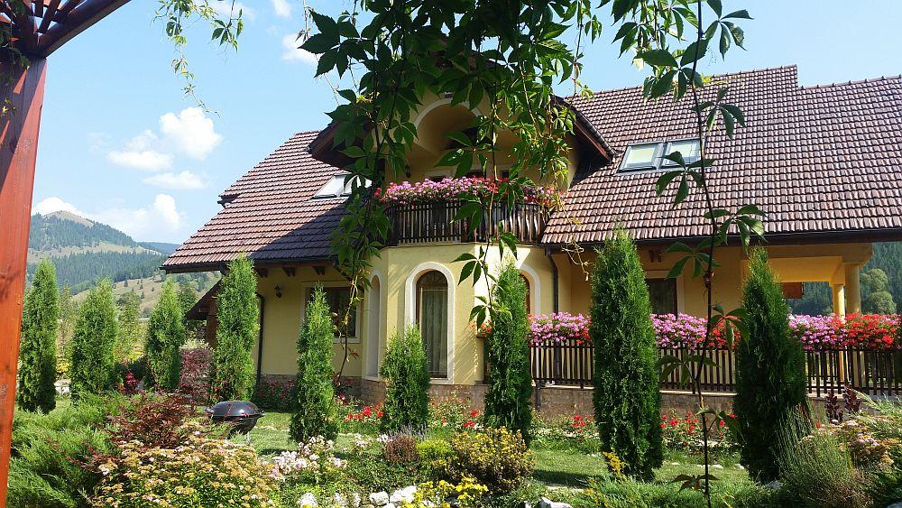 adelaparvu.com despre gradina in Bucovina, design Garden Green Campulung Moldovenesc, Foto Adela Parvu (40)