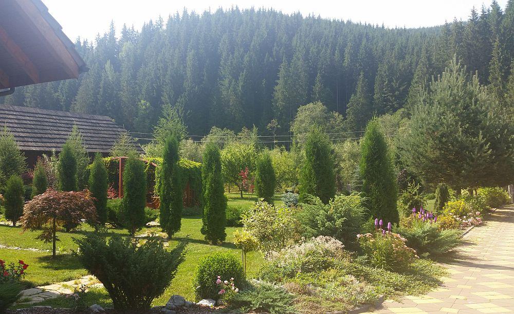 adelaparvu.com despre gradina in Bucovina, design Garden Green Campulung Moldovenesc, Foto Adela Parvu (47)