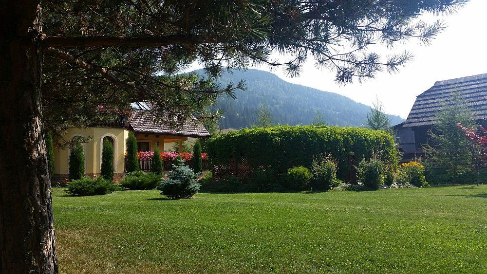 adelaparvu.com despre gradina in Bucovina, design Garden Green Campulung Moldovenesc, Foto Adela Parvu (5)