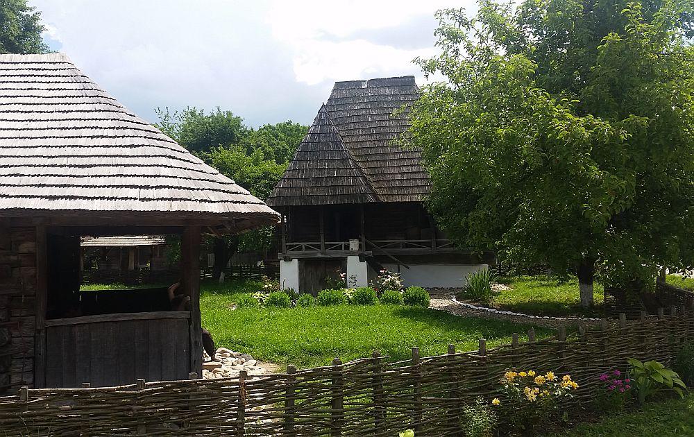 adelaparvu-com-despre-case-traditionale-romanesti-muzeul-viticulturii-si-pomiculturii-golesti-jud-arges-romania-foto-adela-parvu-11
