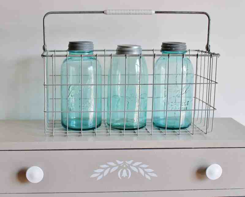 vintage 1/2 gallon canning jars