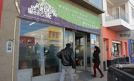 Por el balotaje del domingo permanecer n abiertas las for Oficinas registro civil