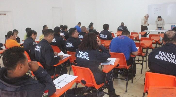 Fortalecen conocimientos policías capitalinossobre nuevo sistema penal acusatorio (19:55 h)