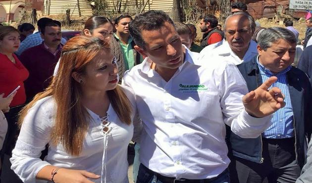 Se suma Gabriela Olvera a precampaña de Alejandro Murat (15:40 h)