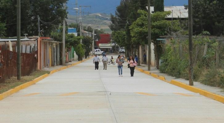 Ayuntamiento capitalino entrega dos mil 383 metros cuadrados de pavimento en Pueblo Nuevo (18:50 h)