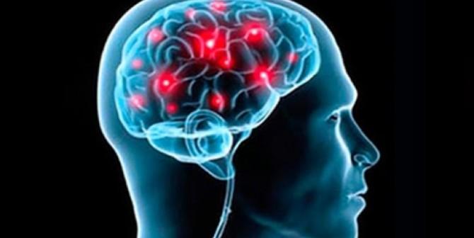 A mayor edad existe más riesgo de desarrollar un evento vascular cerebral (18:00 h)