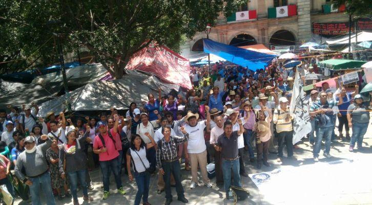 SEP confirma instalación de mesas de negociación en Michoacán y Oaxaca (14:45 h)