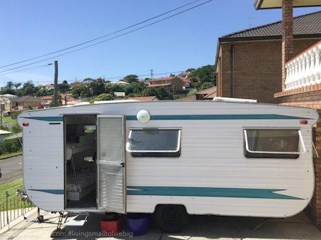 Adriel Booker - Living in a Caravan-Camper