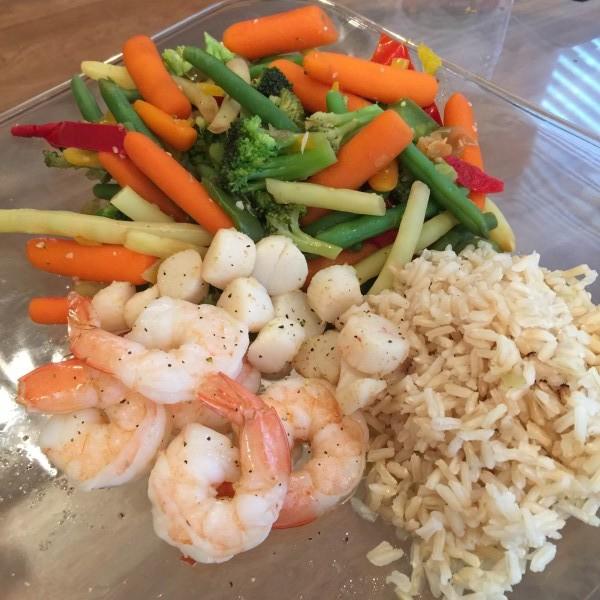 Shrimp, Scallops + Brown Rice + Veggies