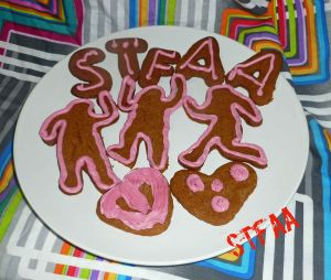Valentine's Day Gingerbread Frosted Cookies
